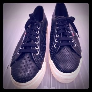 Leather sneakers